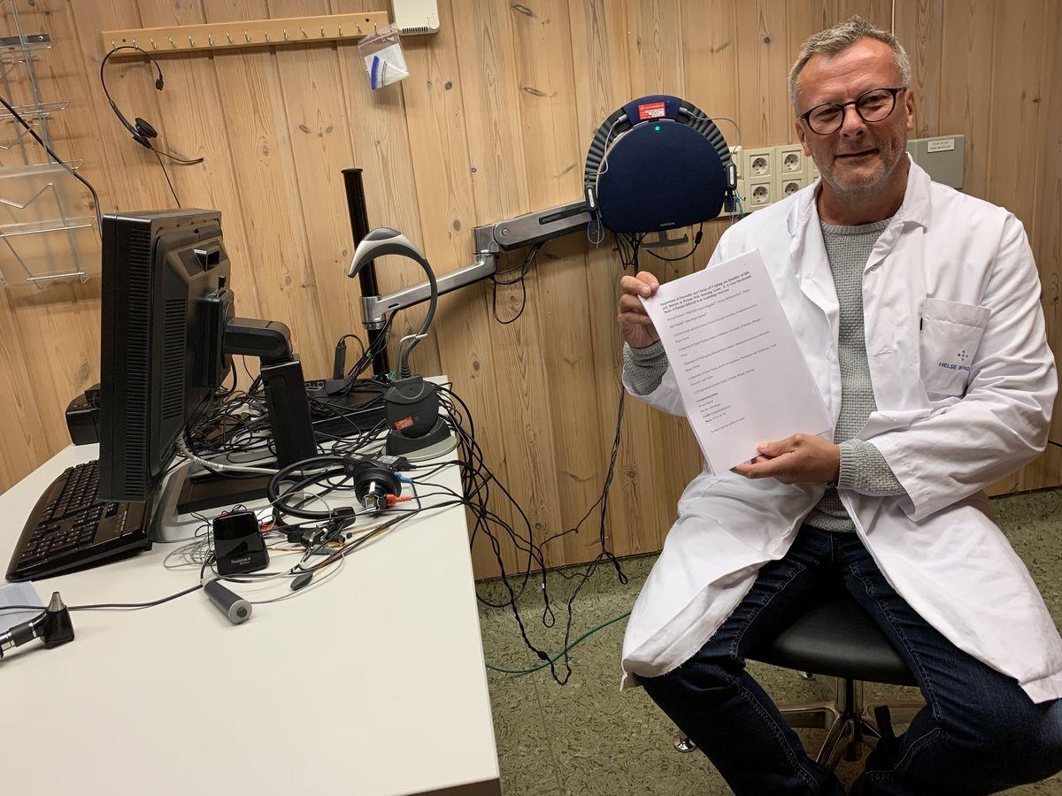 MESTRING. Høgskolelektor Øyvind Nordvik mener at åpenhet om eget hørselstap og gode mestringsstrategier er viktig for at hørselshemmede skal få en god livskvalitet.