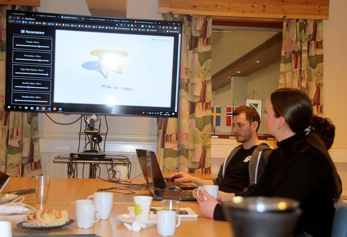Ole Kristian og Vegard viser fram 2.jpg