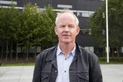 INFORMASJON. SVs stortingsrepresentant Lars Haltbrekken ber helseministeren sørge for at hørselshemmede får den samme informasjonen som alle andre. Foto. NTB Scanpix