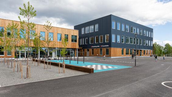 Foto av Stavsberg skole fra utsiden