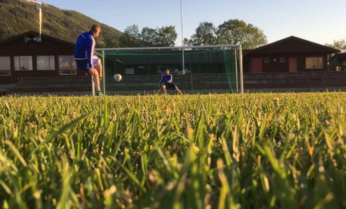 Skjermbilde fra Trond Ellevsets Blekkens film om Straffekonk (Surnadal IL Fotball)