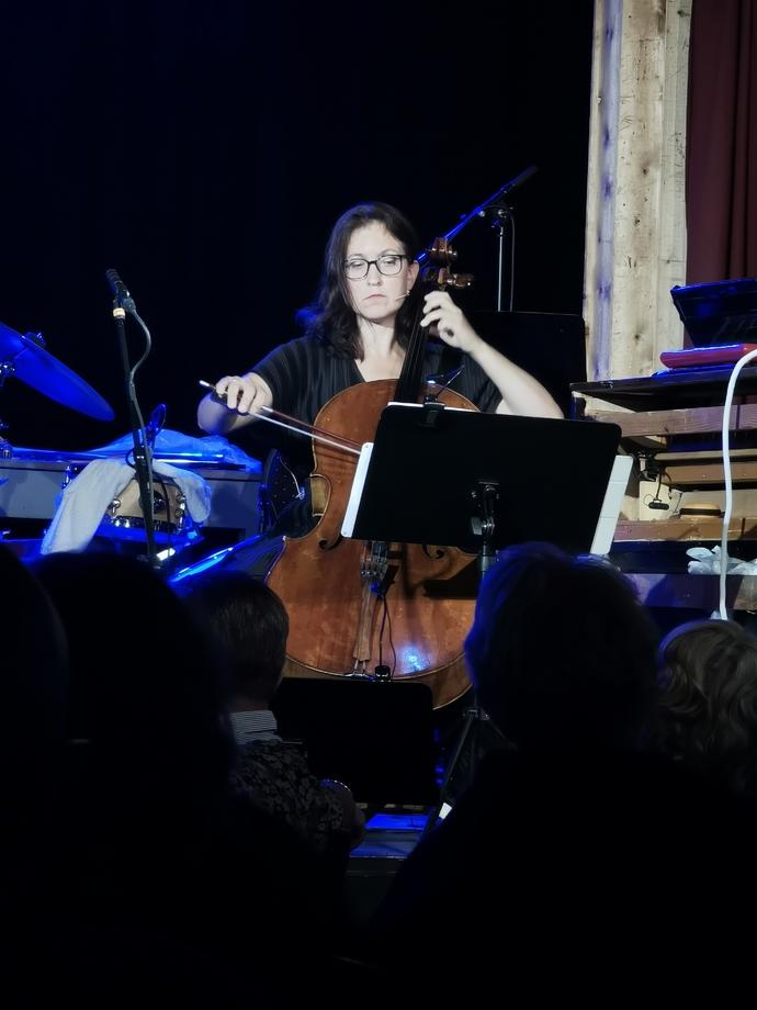Cellist Marianne Lid berømmer Stangvikfestivalen_690x920.jpg