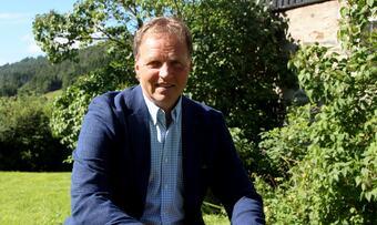 Allan Troelsen.