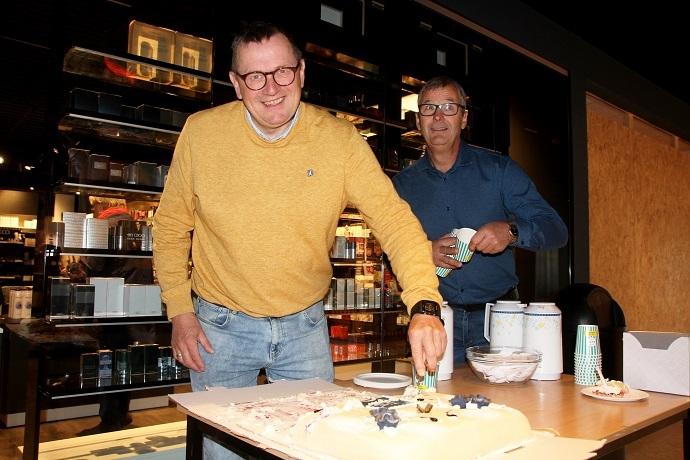 Bergsvein og Lorentz og kake.jpg
