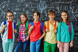 ANSVAR. I dag overlates mye av ansvaret for tilrettelegging i skolen til foreldrene, som sterkt ønsker at koordinatorer med hørselsfaglig kompetanse skal ha ansvaret for barna deres. Illustrasjonsfoto. Colourbox