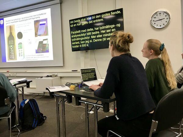 VIDEOTOLKING. På grunn av smittetiltakene vil Nav prioritere digital fremfor fysisk tolking fremover. Foto. Bjørg Engdahl