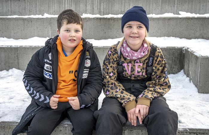 KLARE MELDINGER. Mie Fiskergård og Tobias Breivik Solevåg er to av elevene som ga klare meldinger til NRK om manglende teksting.