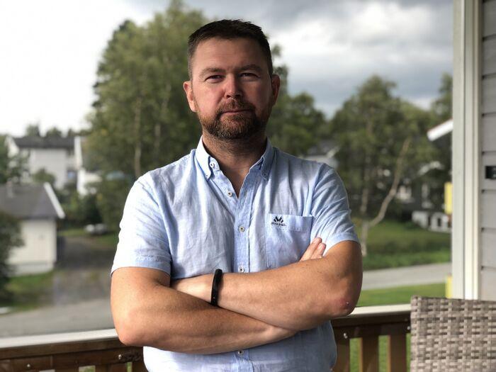 HISTORISK. Per Christian B. Jacobsen (Ap) er glad for vedtaket, men er samtidig provosert over at andre fylkeskommuner, og ikke minst Stortinget, henger etter. Foto. Privat