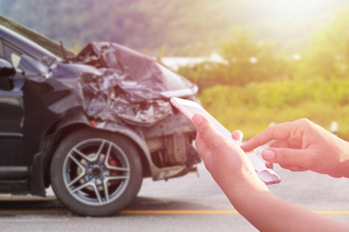 VIKTIG. Tekstbasert kommunikasjon er viktig når ulykken først er ute. Direktoratet for sikkerhet og beredskap foreslår nå å gjøre tjenesten enda bedre. Illustrasjonsfoto. Colourbox
