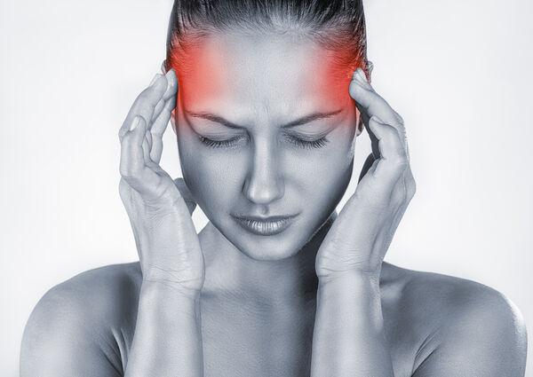 TREKKER SEG UNNA. Sterke svimmelhetsanfall tapper energi og gjør at ménièrerammede trekker seg unna familiære og sosiale aktiviteter. Foto Colourbox