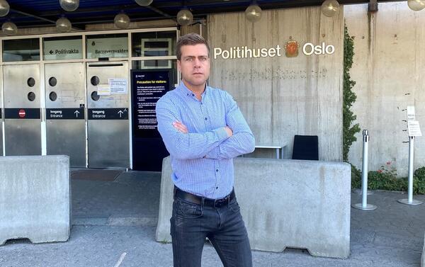 ANMELDT. HLFs generalsekretær Henrik Peersen har anmeldt annonsen for Relixen Oil til politiet, og vil ha stoppet dette svindelproduktet. Foto. Anja Hegg