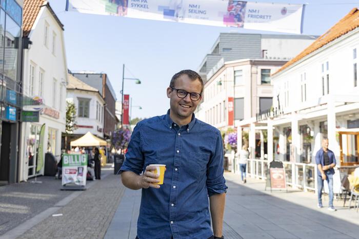 MER UTDANNING. Kjell Ingolf Ropstad og Kristelig Folkeparti vil legge til rette for mer etter- og videreutdanning. Foto. NTB